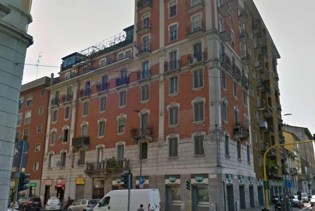 Bilocale Milano Via Montegani 1