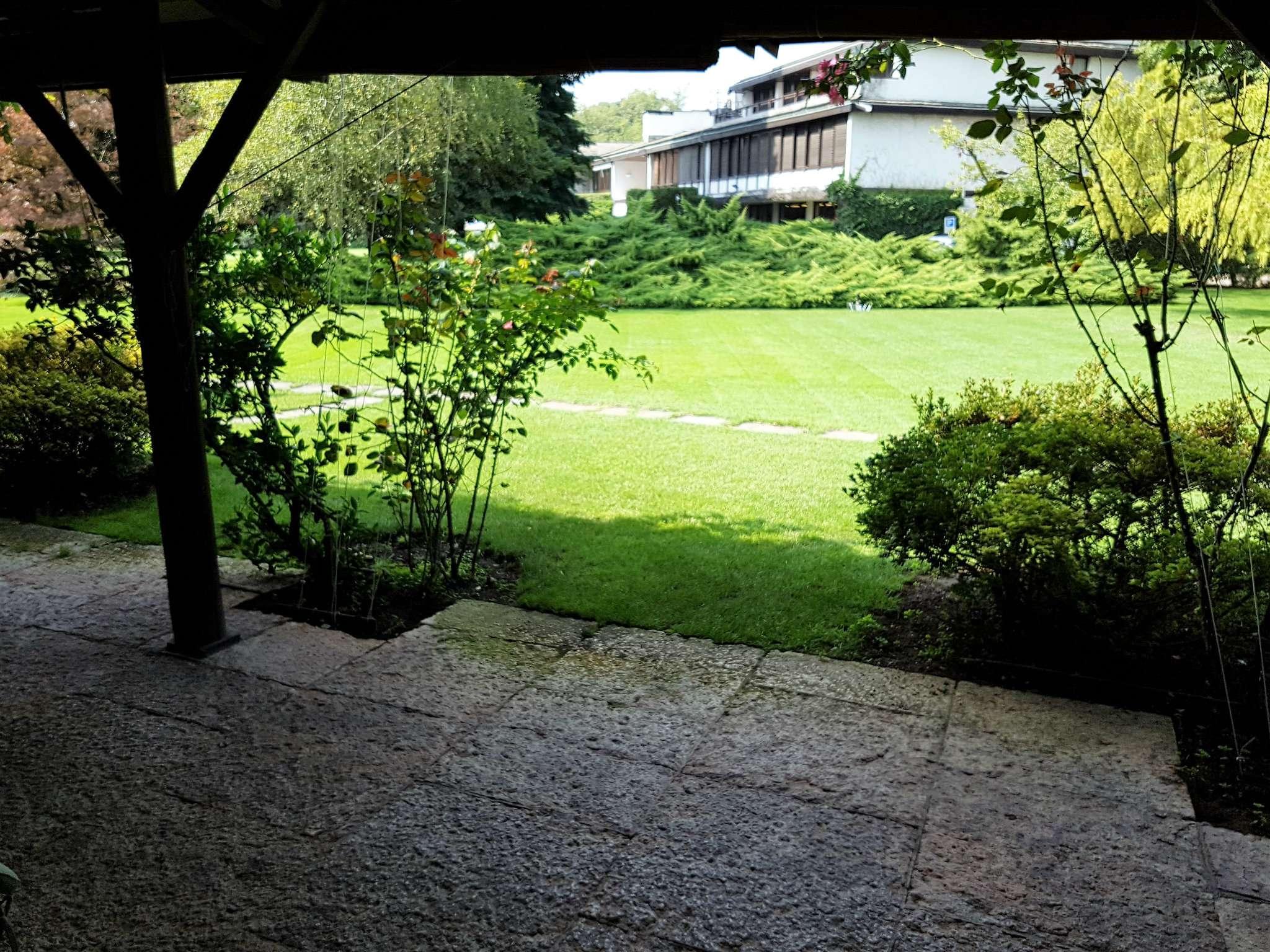 Villa in Vendita a Lentate Sul Seveso: 5 locali, 150 mq