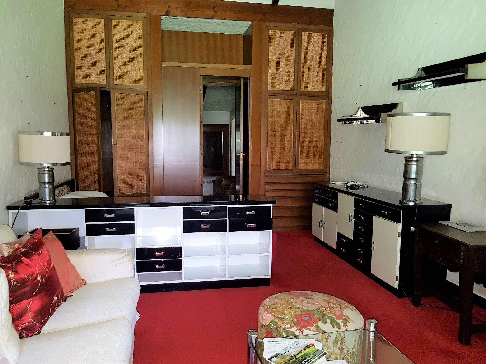 Villa in Vendita a Lentate Sul Seveso: 5 locali, 125 mq
