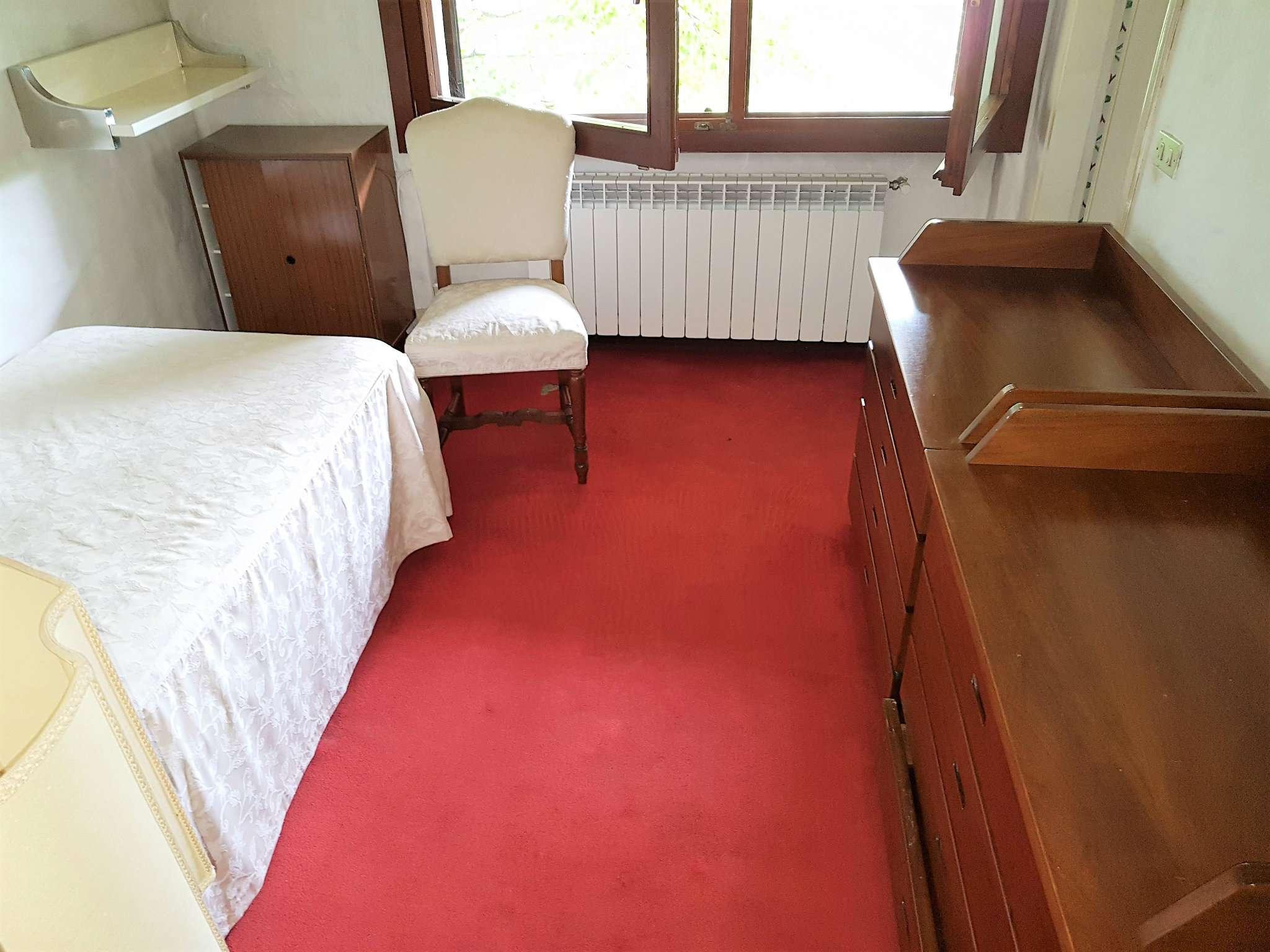 Villa in vendita a lentate sul seveso via privata golf - Piscina lentate sul seveso ...
