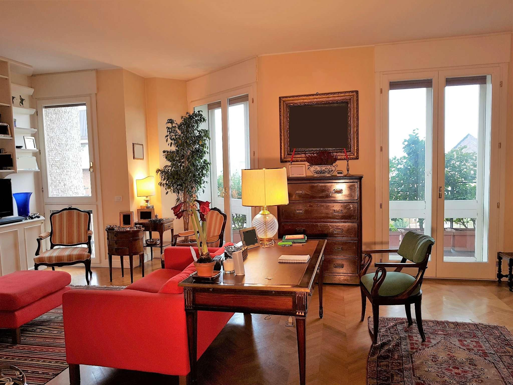 Appartamento in Vendita a Milano: 3 locali, 128 mq - Foto 2