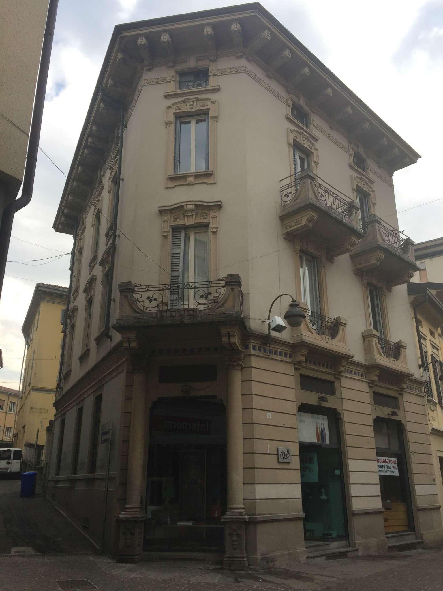 Negozio / Locale in Vendita a Cantù