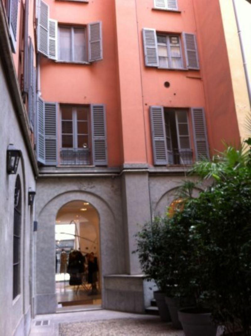Bilocale Milano Via Della Spiga Milano 2