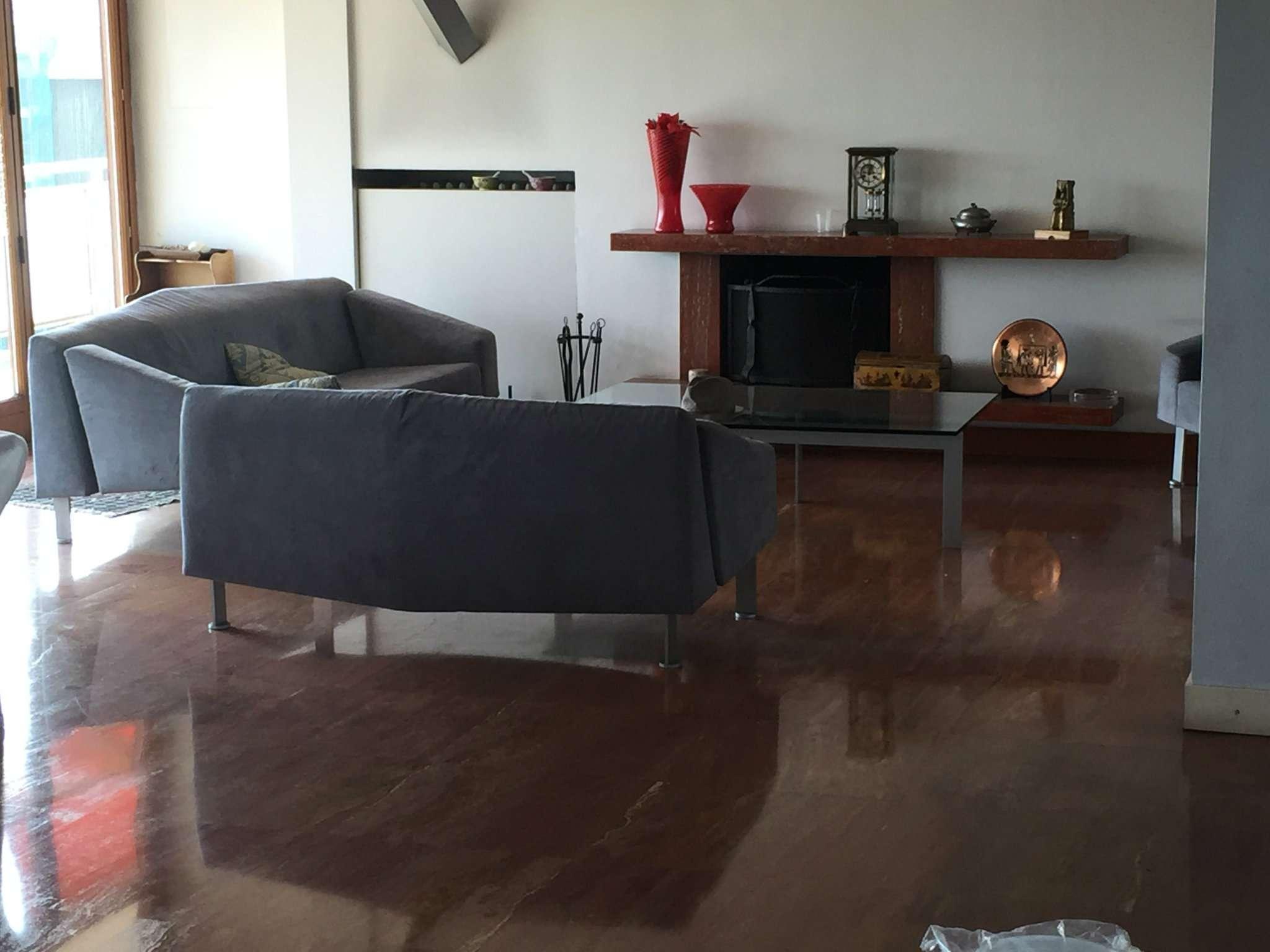 Attico / Mansarda in vendita a Peschiera Borromeo, 6 locali, prezzo € 550.000 | Cambio Casa.it