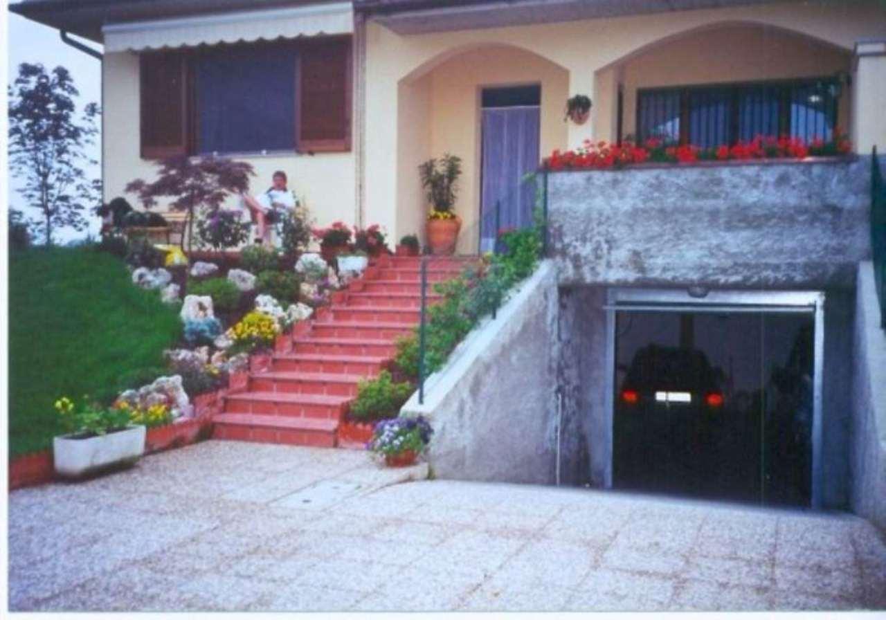 Villa in vendita a Torre d'Arese, 4 locali, prezzo € 240.000 | Cambio Casa.it