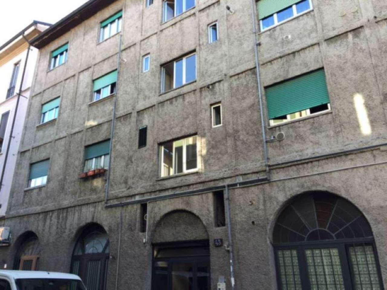 Bilocale Milano Via Guerzoni 9