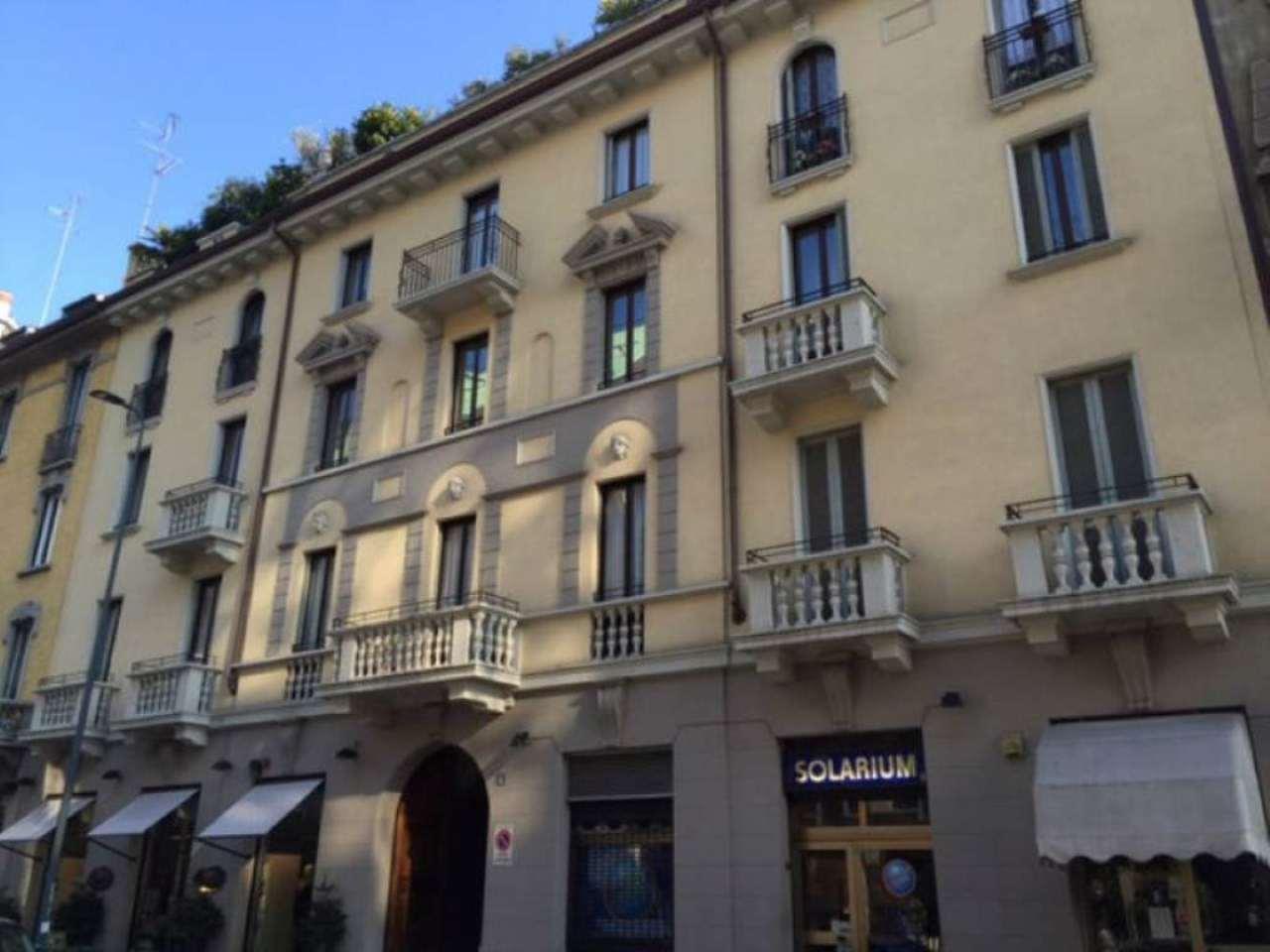 Bilocale Milano Via Gozzi 7