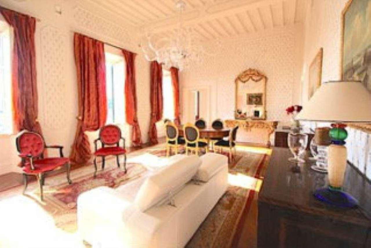 Appartamento in vendita a Pescia, 3 locali, prezzo € 330.000 | Cambio Casa.it
