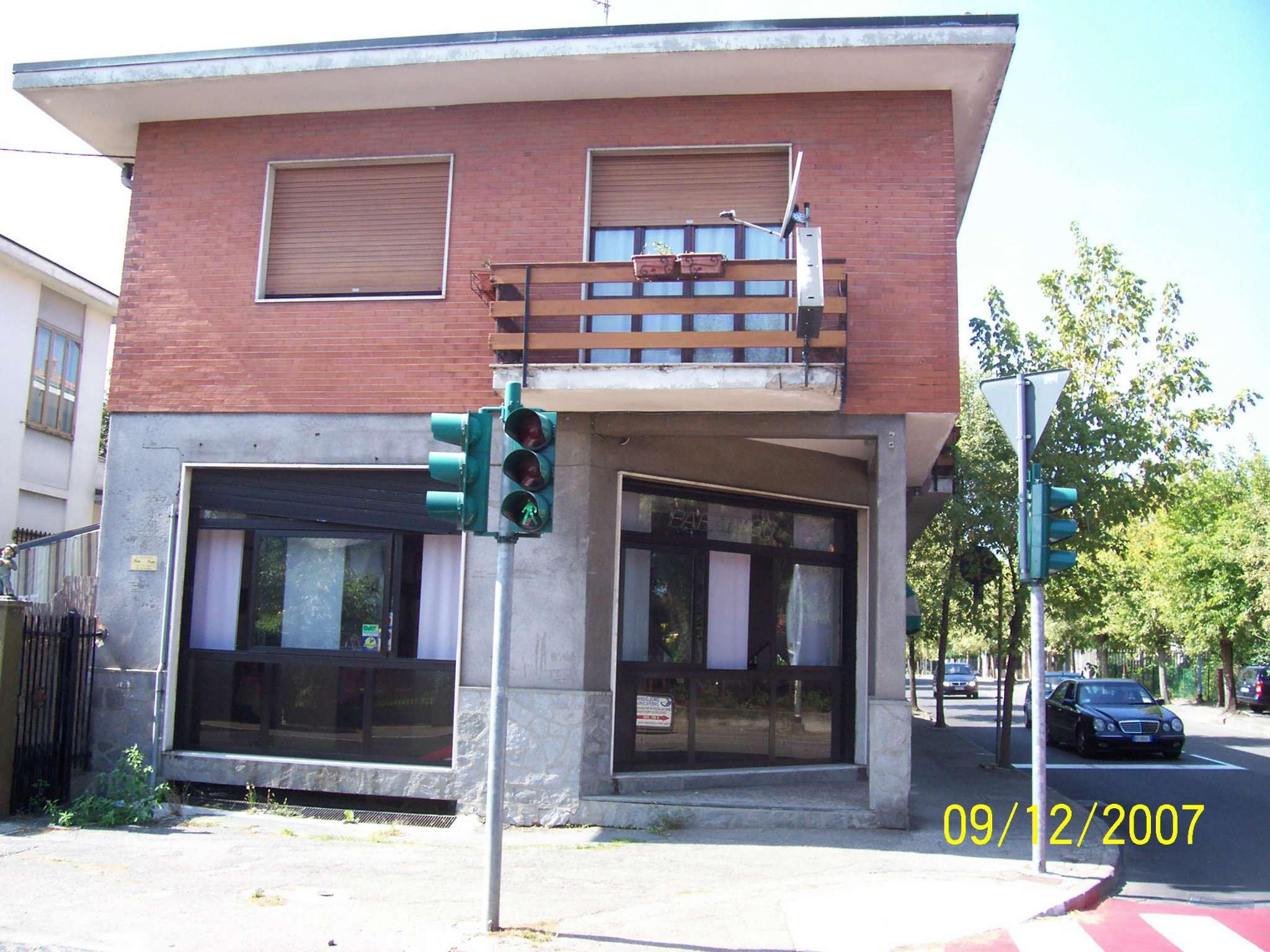 Negozio / Locale in affitto a Cesate, 9999 locali, prezzo € 2.400 | Cambio Casa.it