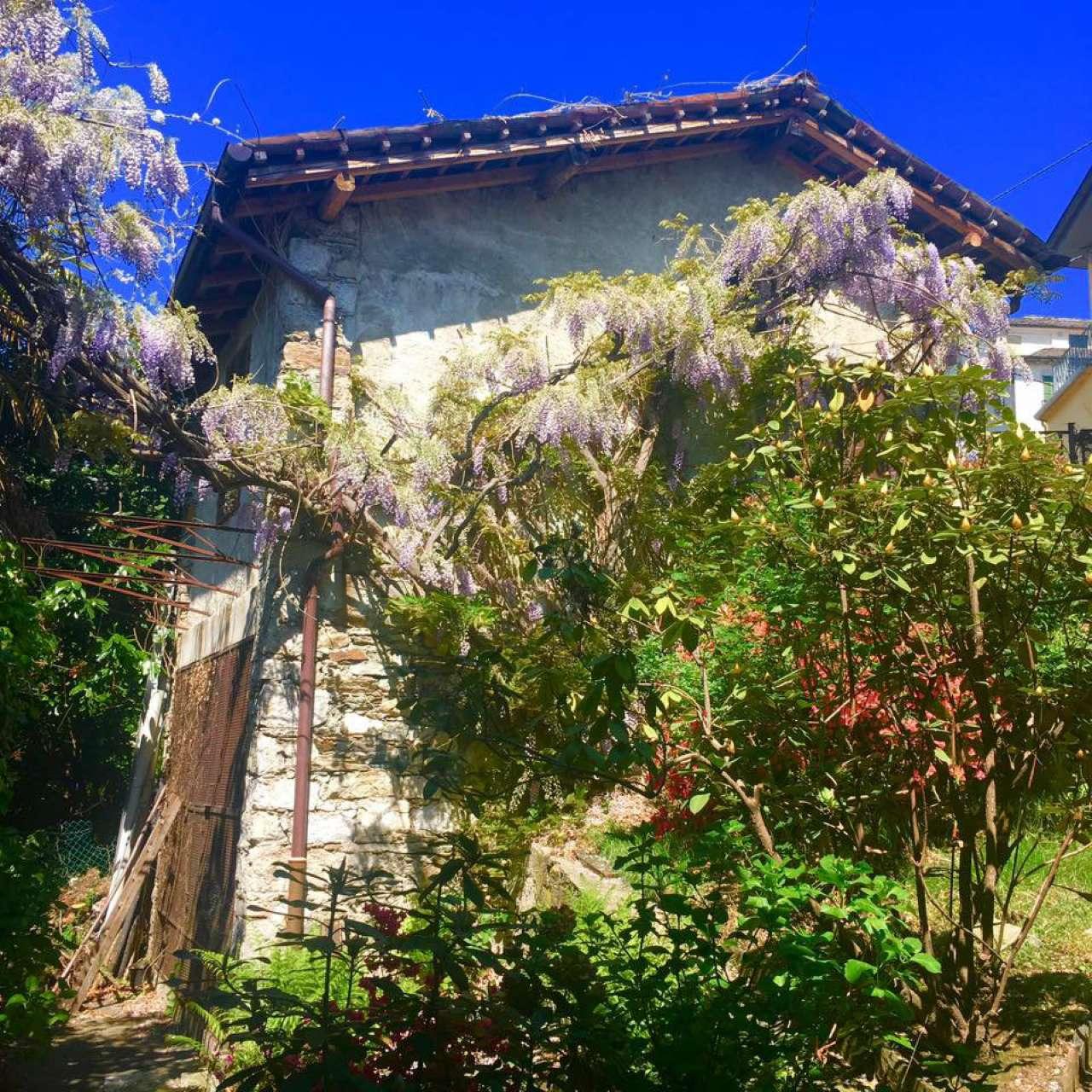 Villa in vendita a Orta San Giulio, 7 locali, prezzo € 590.000 | Cambio Casa.it