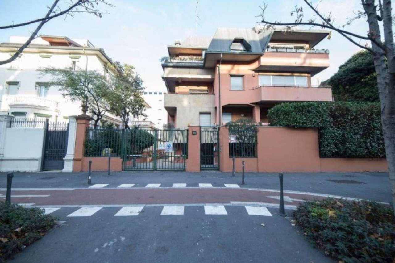 Bilocale Milano Viale Monte Rosa 5