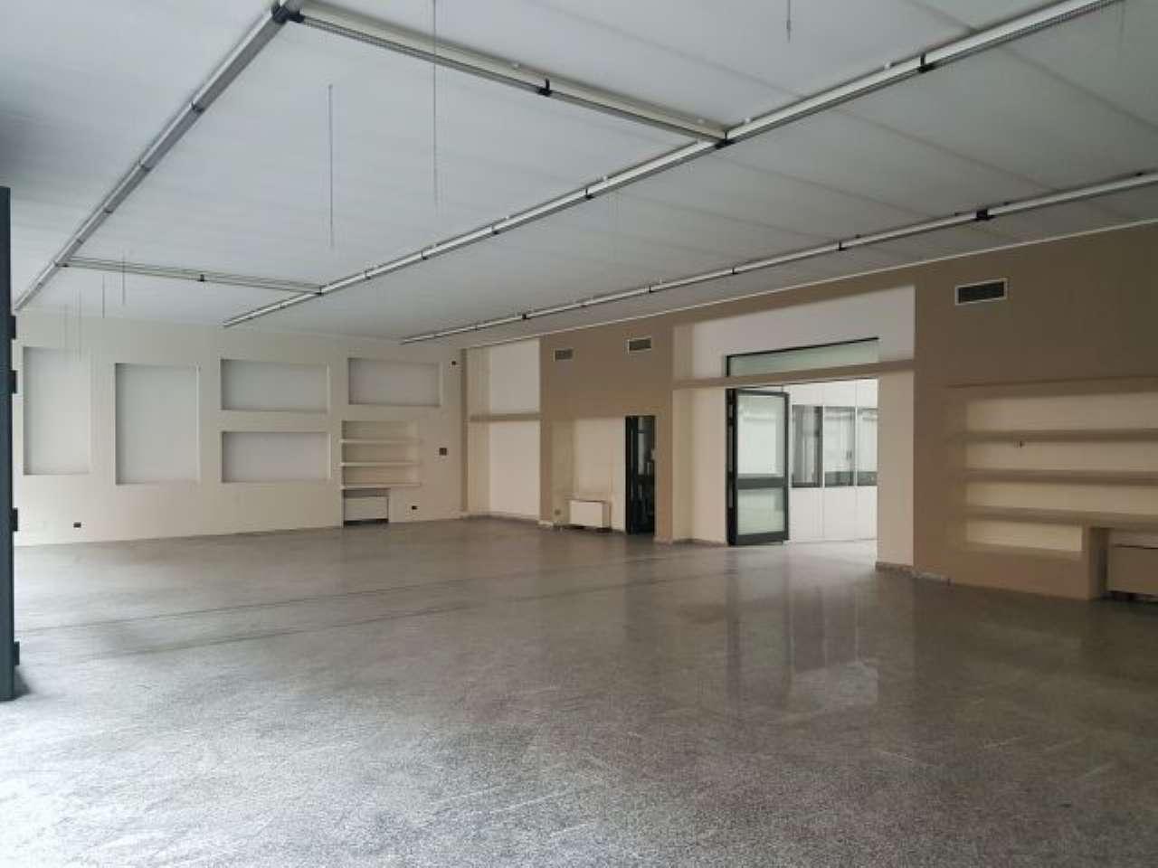 Negozio / Locale in affitto a Milano, 3 locali, zona Zona: 19 . Affori, Bovisa, Niguarda, Testi, Dergano, Comasina, prezzo € 7.500 | Cambio Casa.it