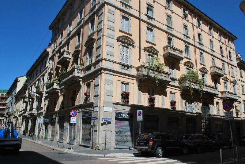 Bilocale Milano Via Ferrari 1