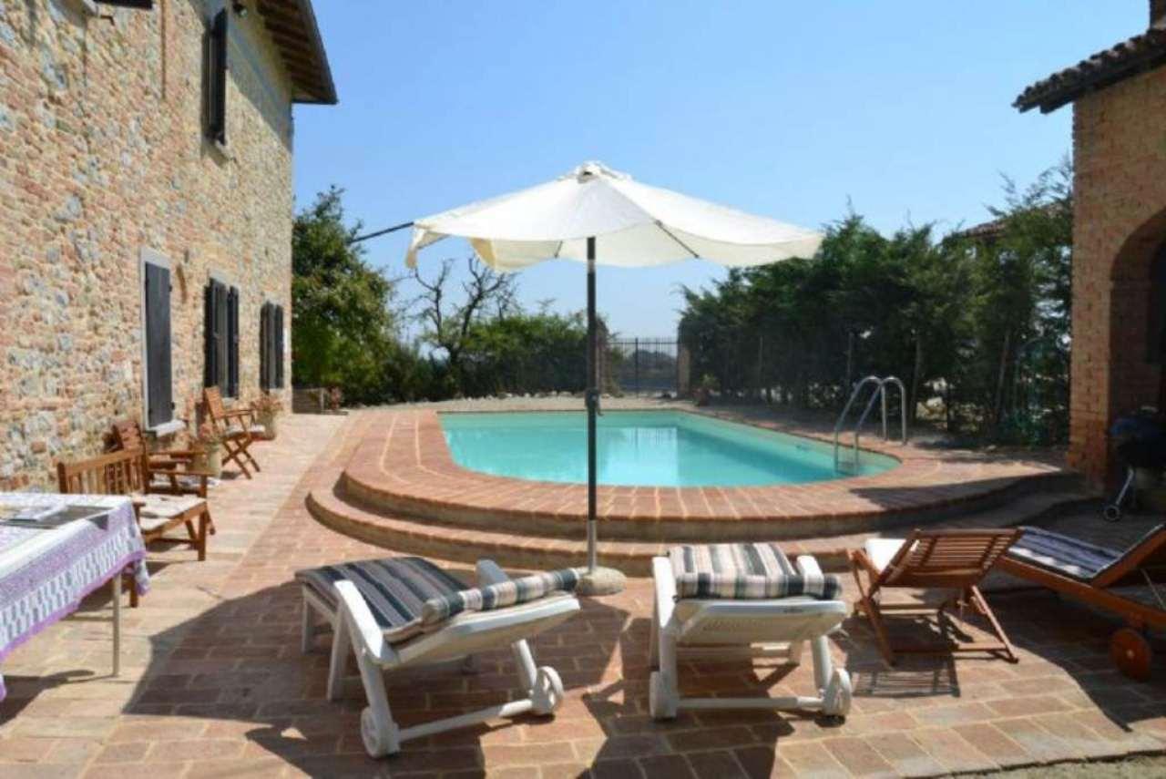 Rustico / Casale in affitto a Salsomaggiore Terme, 6 locali, prezzo € 2.250 | CambioCasa.it