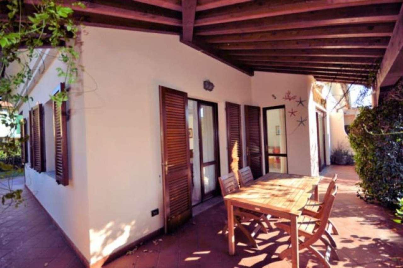Villa in Vendita a Campo nell'Elba