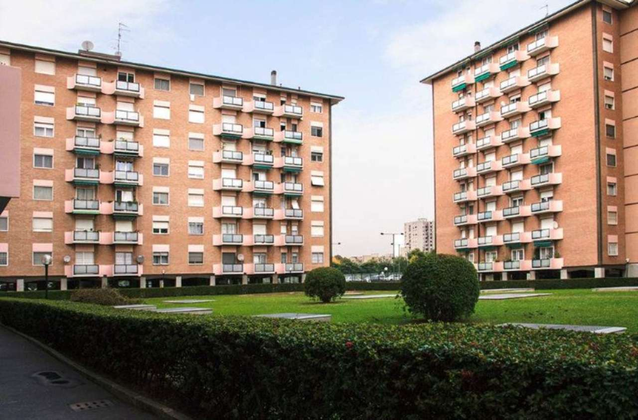 Bilocale Milano Via Zurigo 1