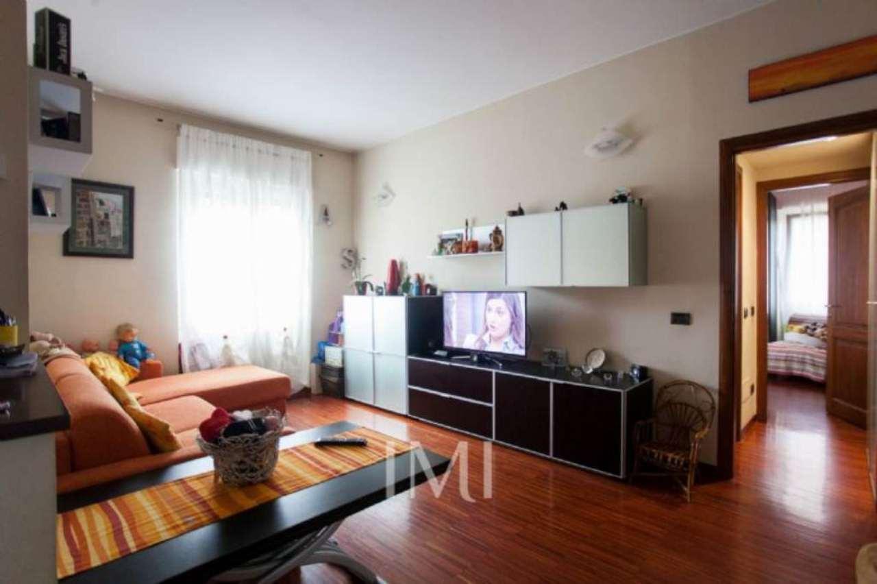 Bilocale Novate Milanese Via Amendola 5