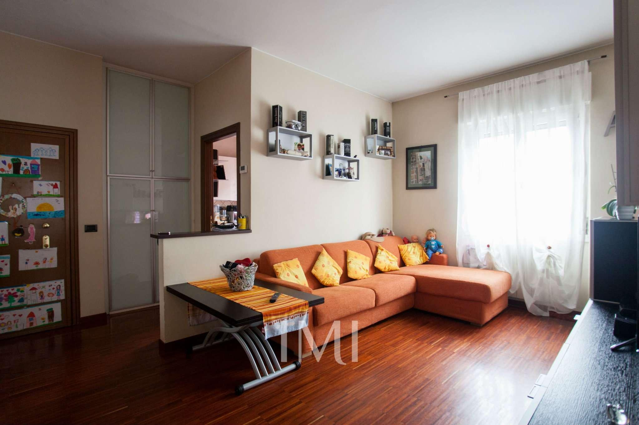 Bilocale Novate Milanese Via Amendola 6