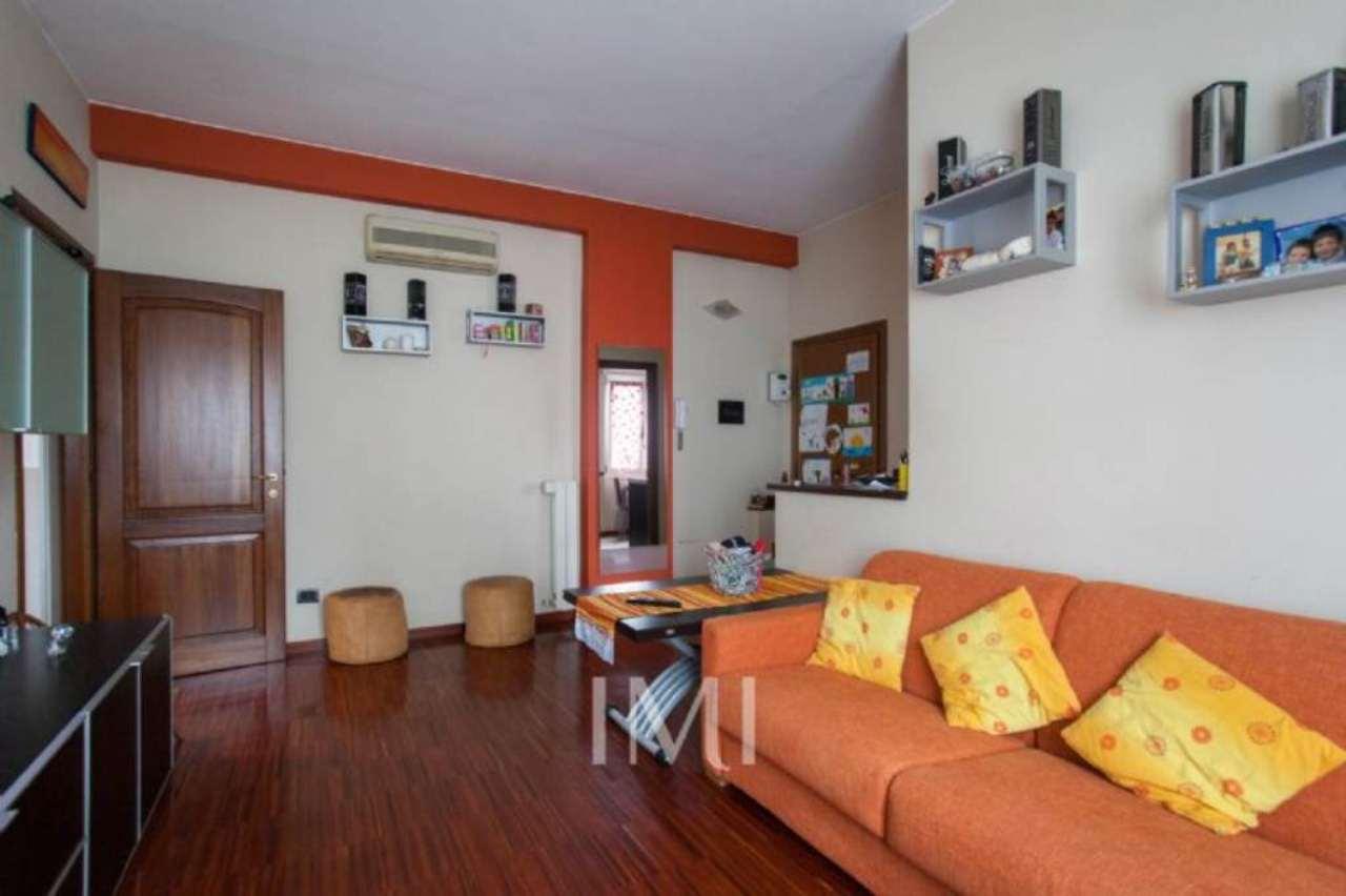 Bilocale Novate Milanese Via Amendola 7