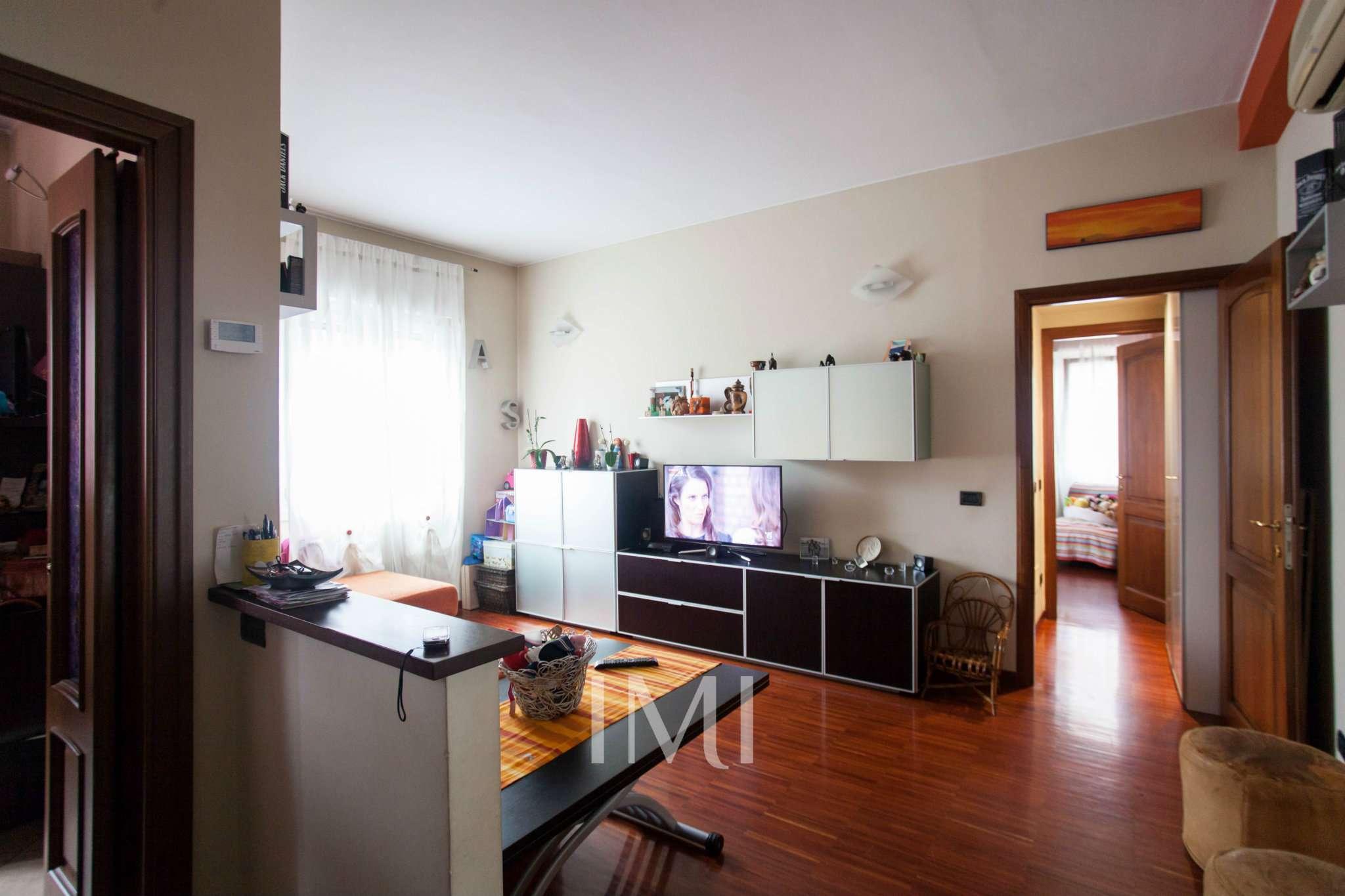 Bilocale Novate Milanese Via Amendola 4