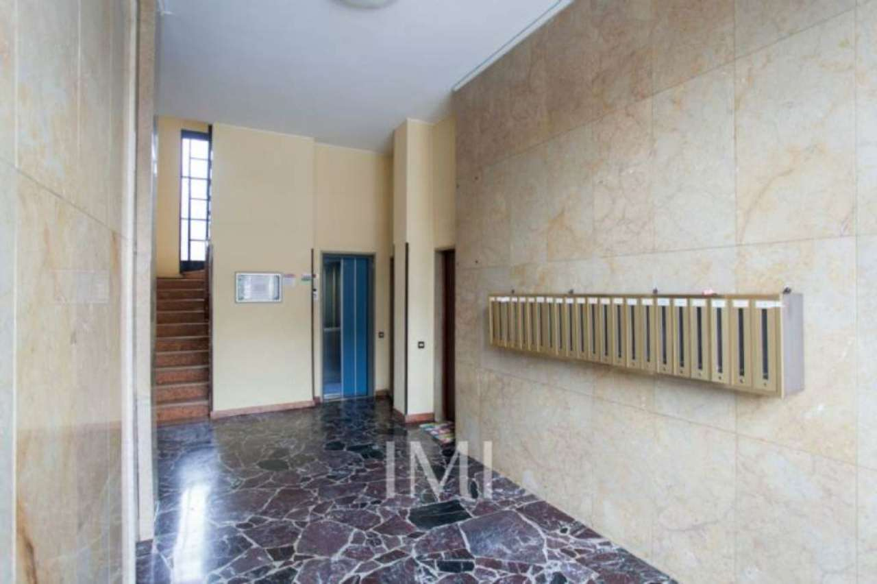 Bilocale Novate Milanese Via Amendola 3