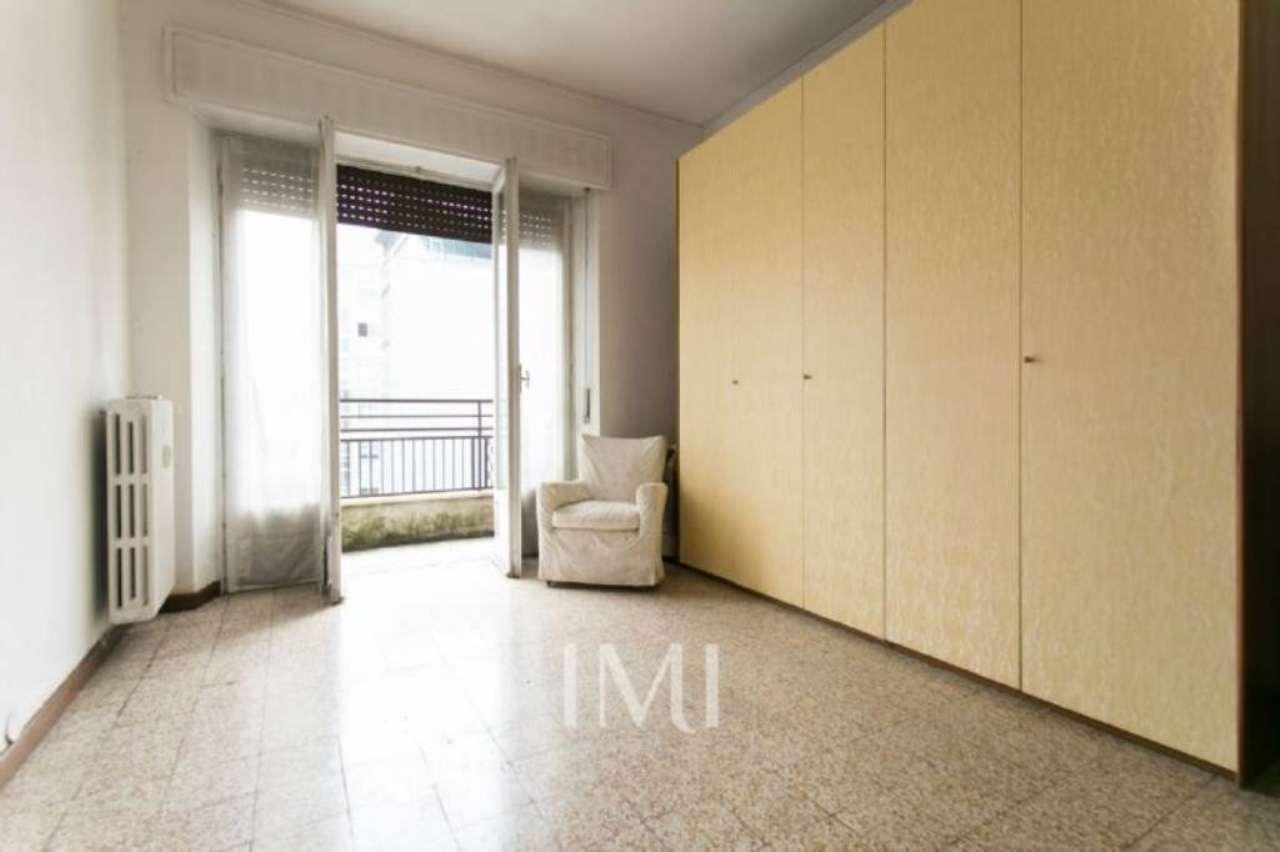Bilocale Milano Viale Murillo 11