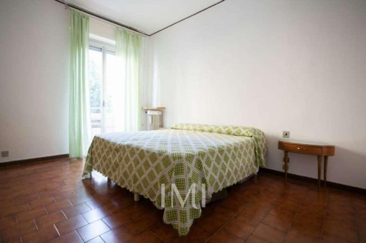 Bilocale Milano Via Mariotto Albertinelli 9