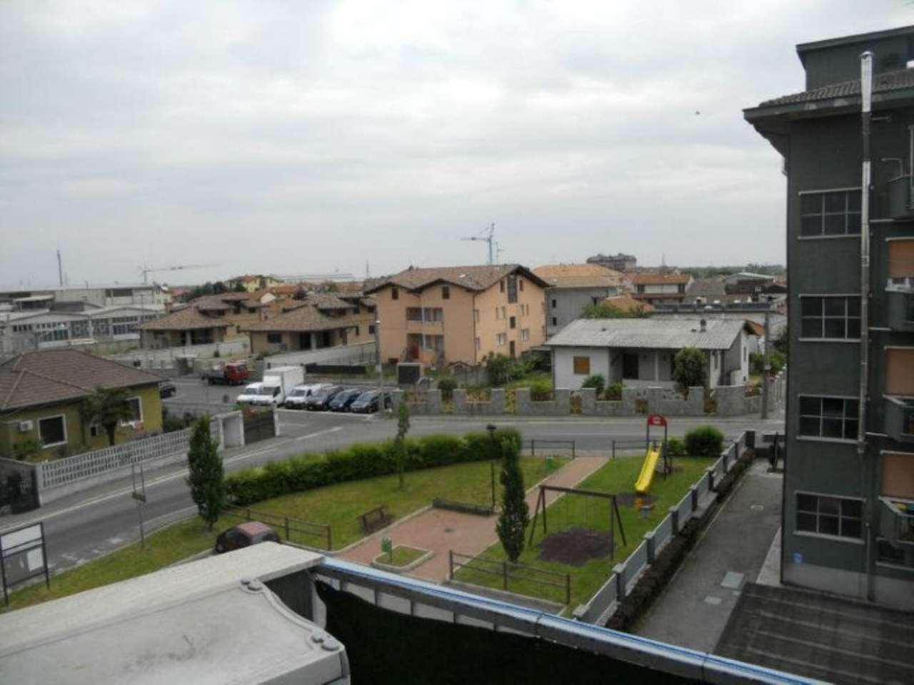 Bilocale Pogliano Milanese Via San Martino Della Battaglia 8