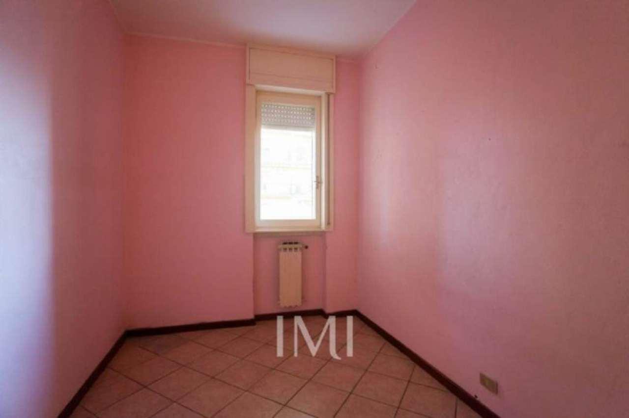 Bilocale Limbiate Via Toscana 7