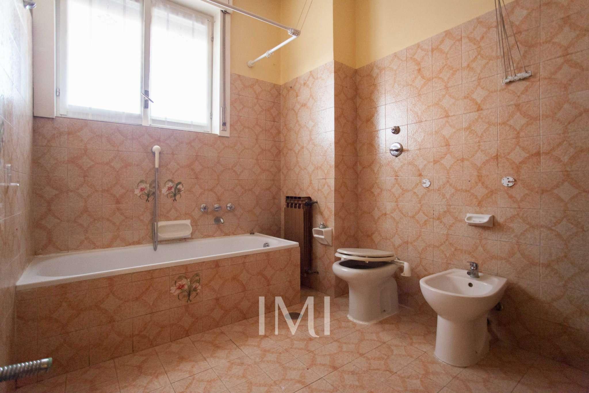 Bilocale Limbiate Via Toscana 8