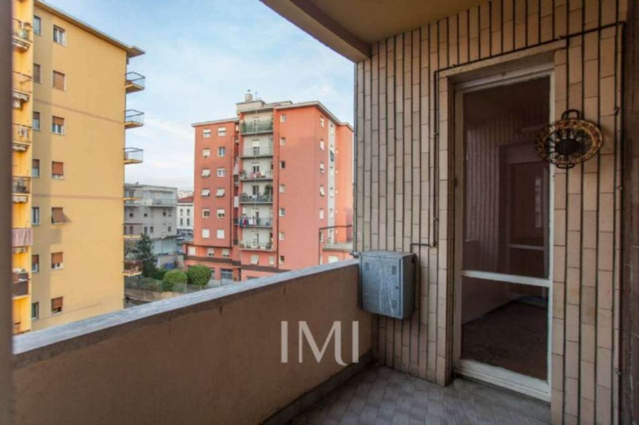 Bilocale Limbiate Via Toscana 10