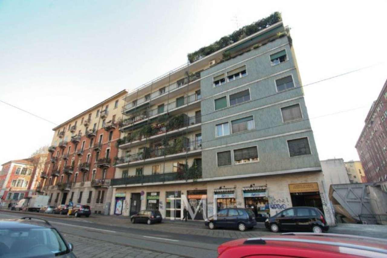Bilocale Milano Piazza Caiazzo 1