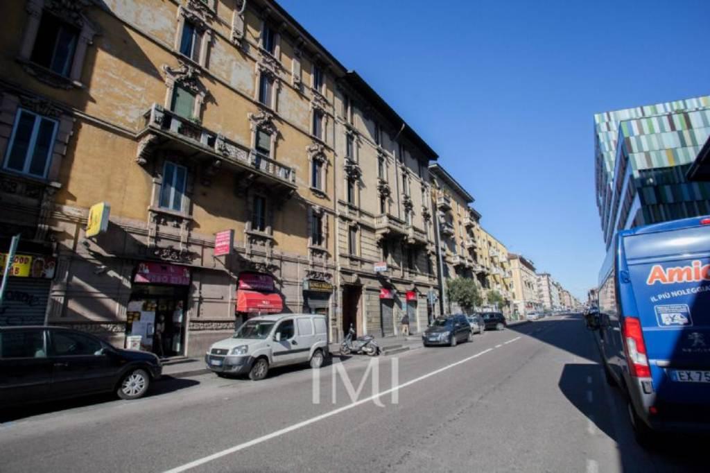Bilocale Milano Via Imbonati 8