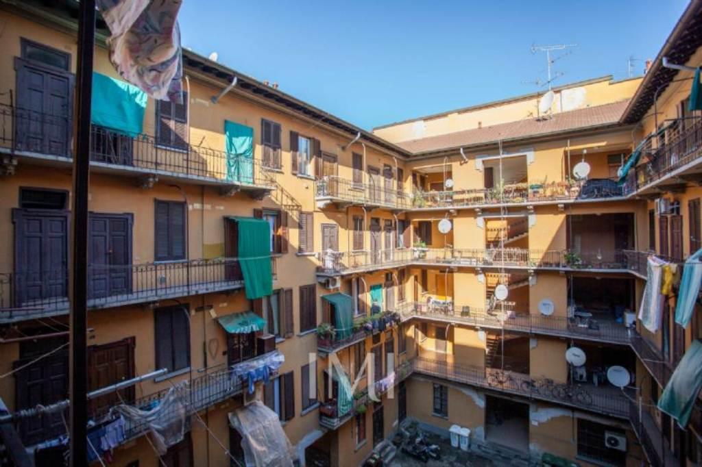 Bilocale Milano Via Imbonati 9