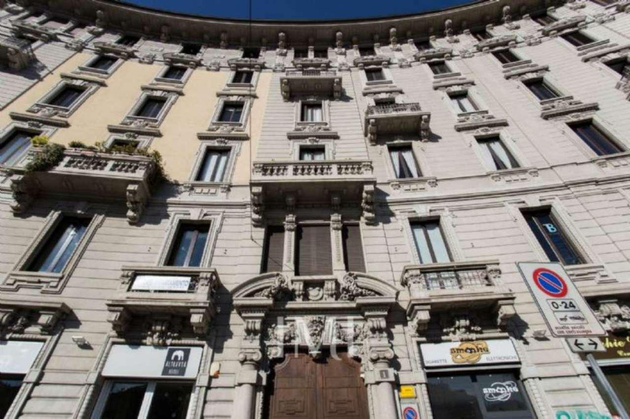 Bilocale Milano Piazza Caiazzo 2