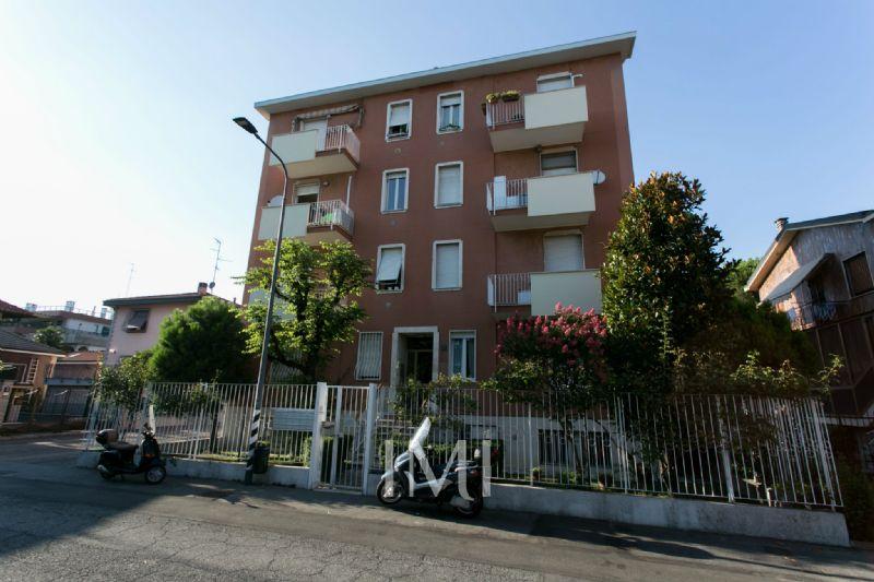 Bilocale Milano Via Dino Campana 1
