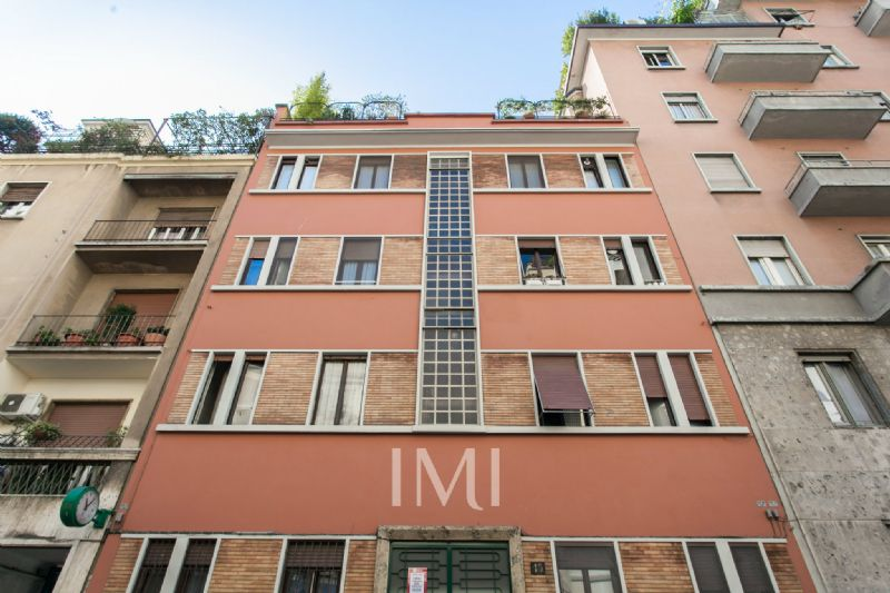 Bilocale Milano Via Prati 1