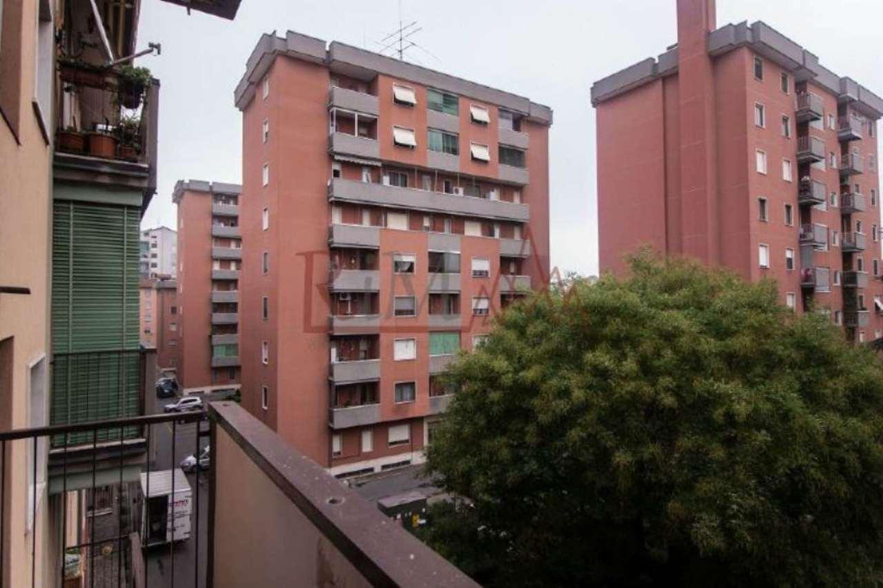 Bilocale Milano Via Mar Nero 11