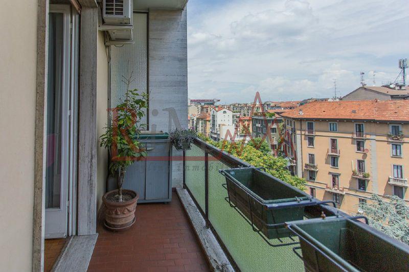Bilocale Milano Via Rembrandt 8