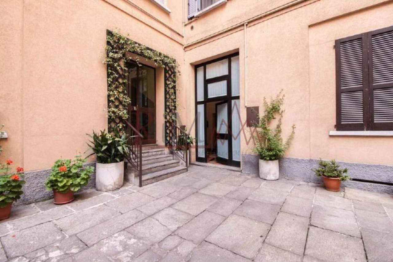Bilocale Milano Via Lecco 11