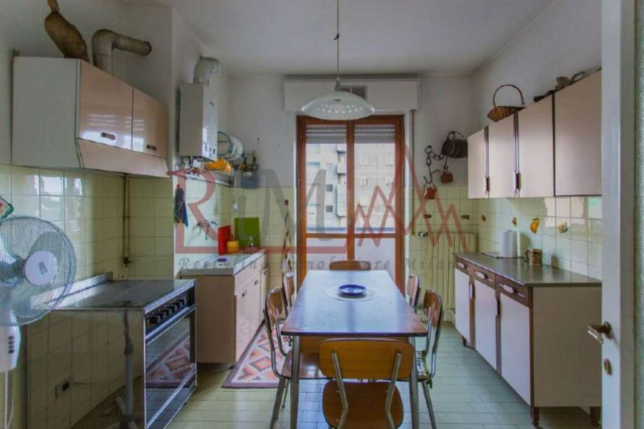 Bilocale Milano Via Nikolajevka 5