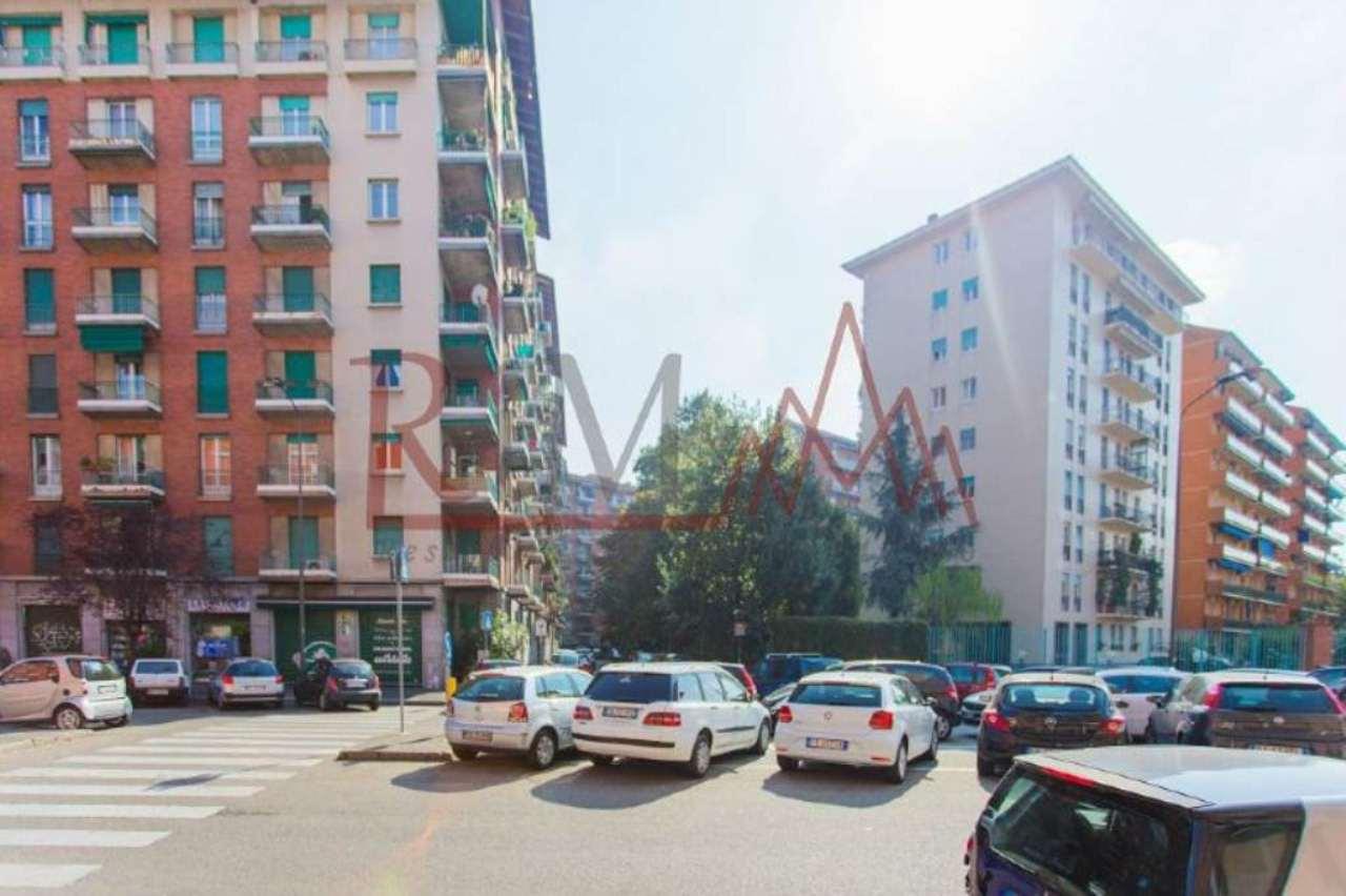 Bilocale Milano Via Anguissola 11