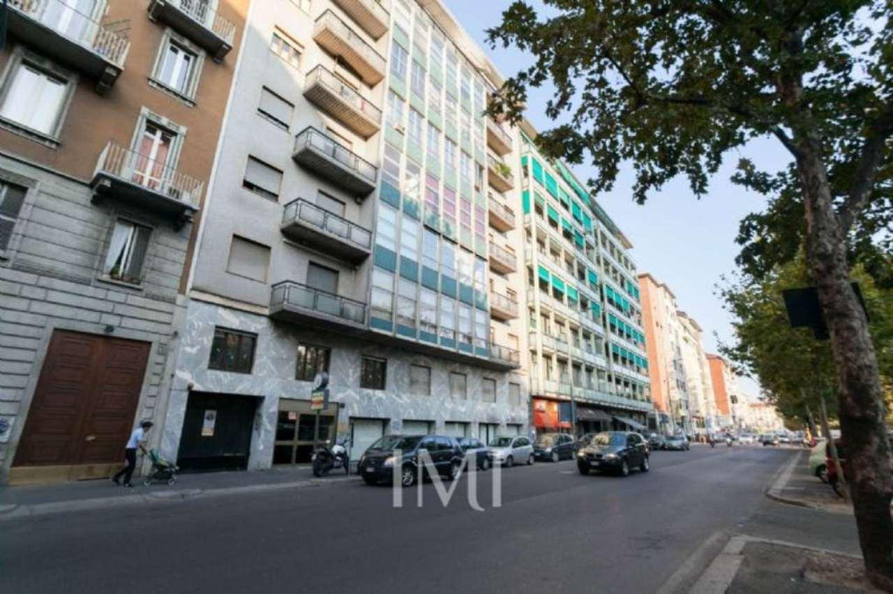Bilocale Milano Viale Viale Papiniano 11