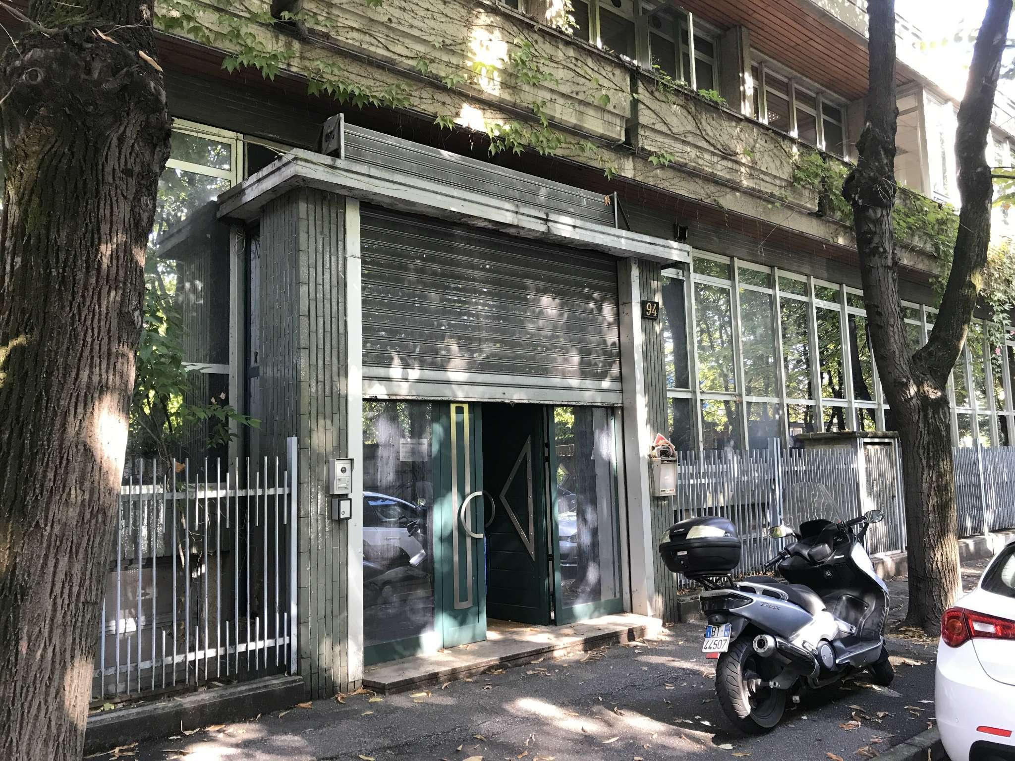 Ufficio / Studio in vendita a Cologno Monzese, 5 locali, prezzo € 315.000   CambioCasa.it