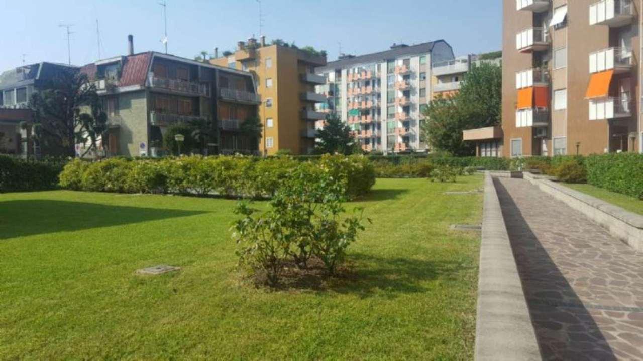 Appartamento in vendita a Cesano Boscone, 2 locali, prezzo € 155.000 | Cambio Casa.it