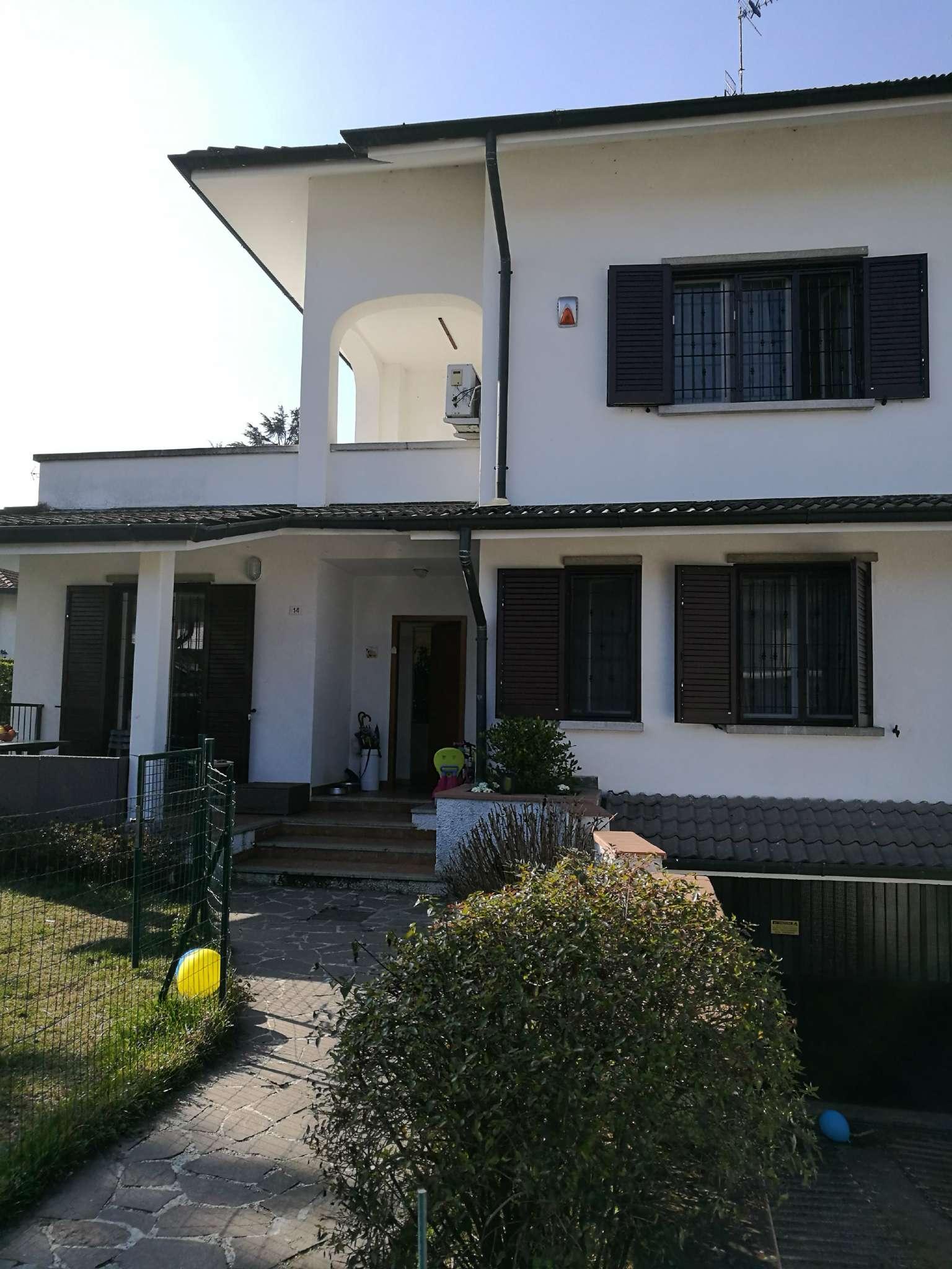 Villa in vendita a Rodano, 5 locali, prezzo € 530.000 | Cambio Casa.it