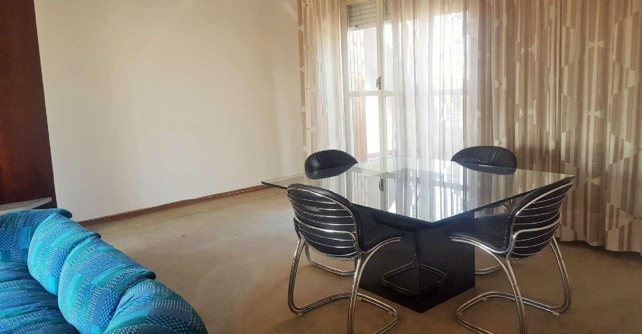 Appartamento in vendita a Cesano Boscone, 4 locali, prezzo € 280.000   CambioCasa.it