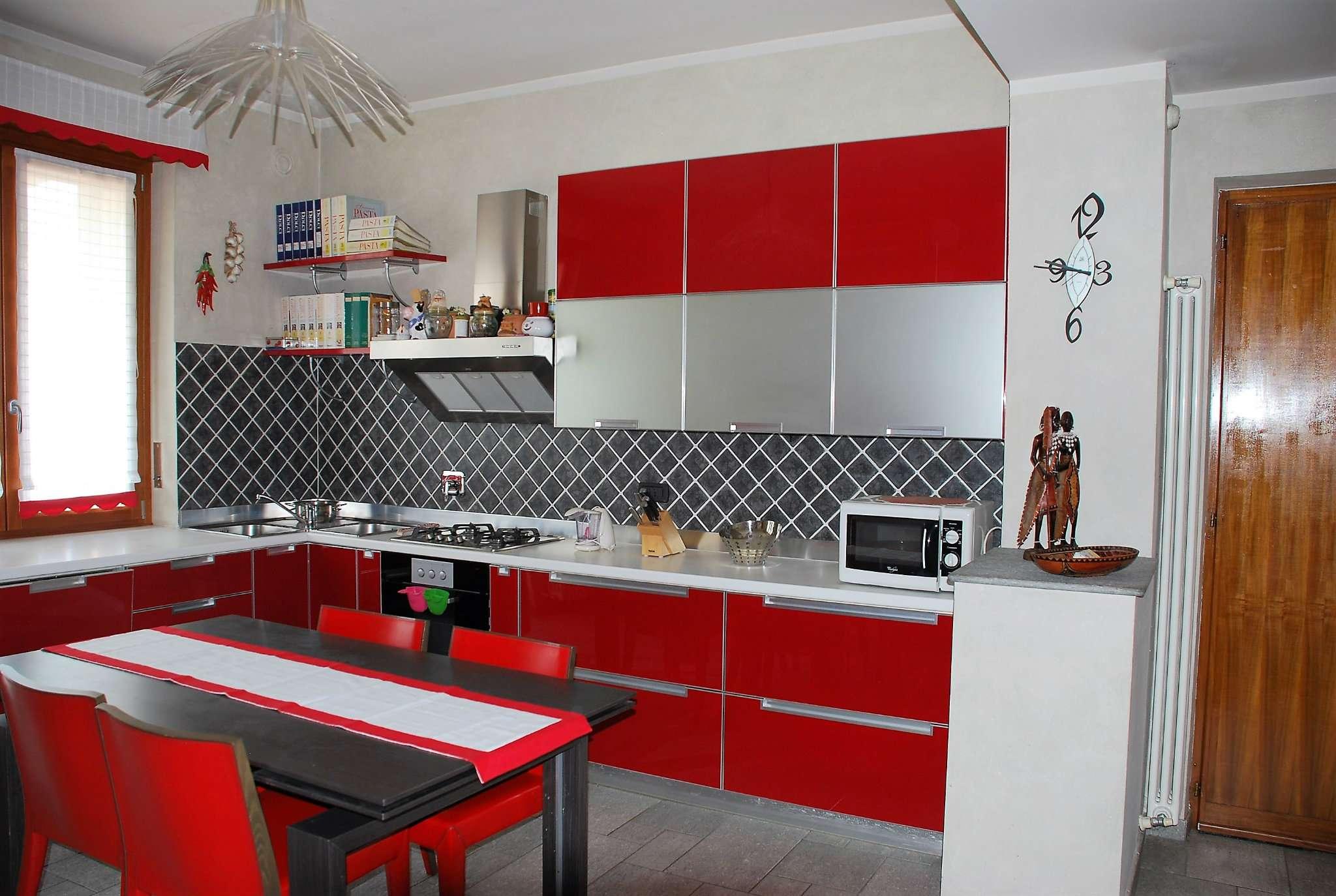Appartamento in affitto via Bistolfi La Loggia