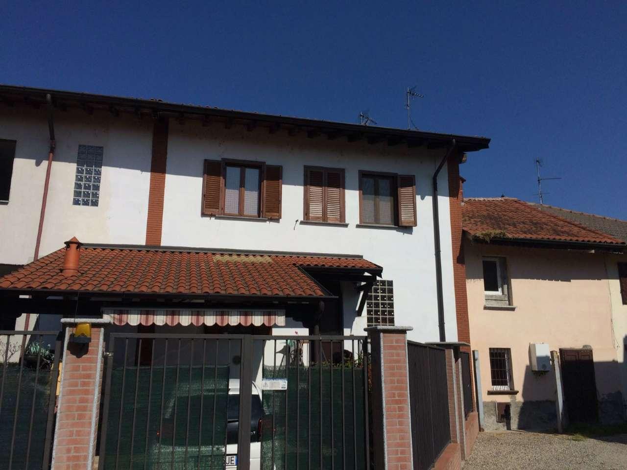 Villa in vendita a Trovo, 5 locali, prezzo € 199.000 | CambioCasa.it