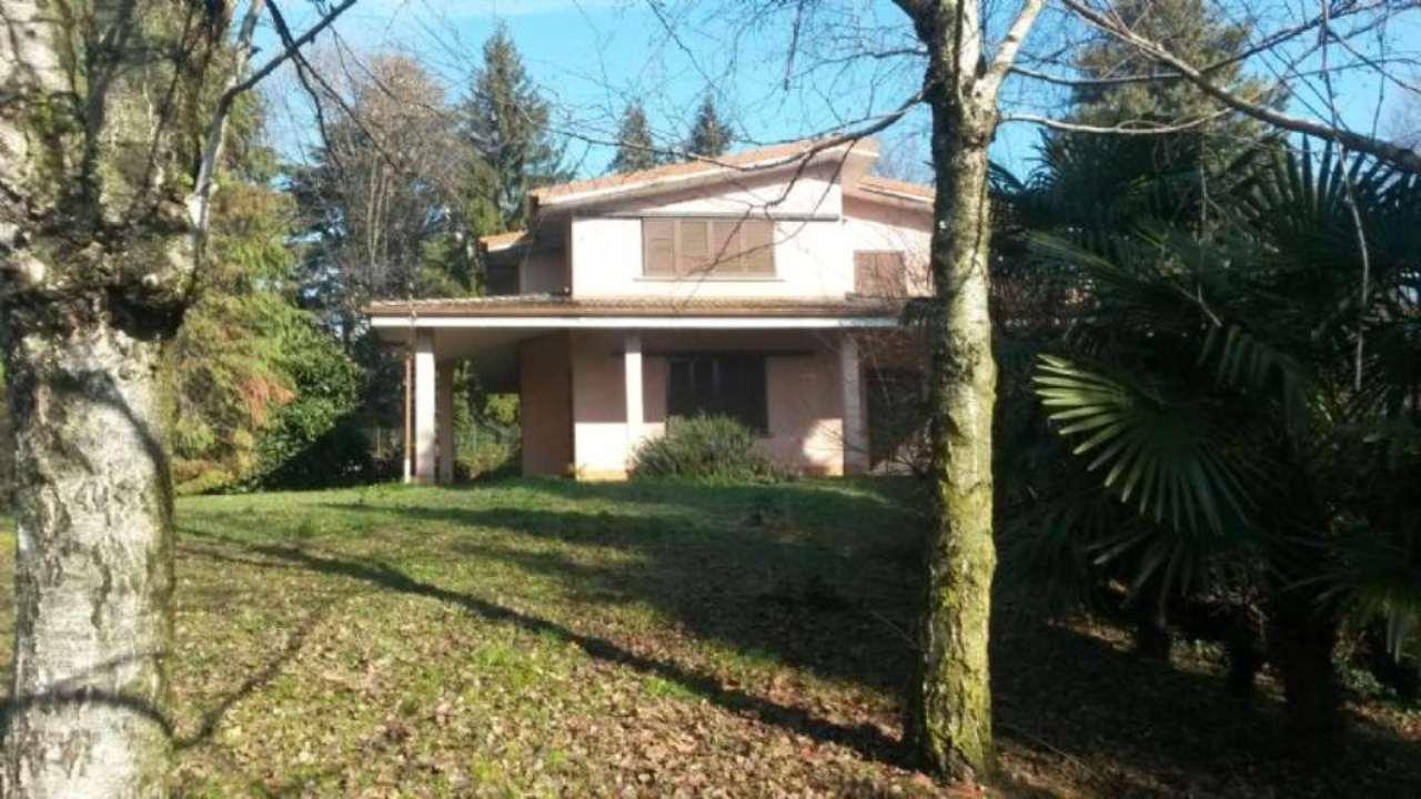 Villa in vendita a Merate, 9999 locali, prezzo € 430.000 | CambioCasa.it